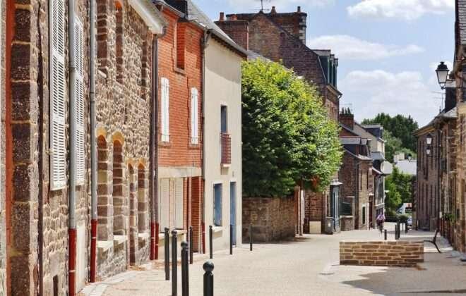 Petite Cité de Caractère Montfort sur Meu – Rue de la Saulnerie