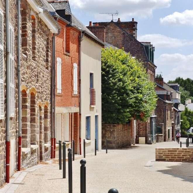 Petite Cité de Caractère Montfort sur Meu - Rue de la Saulnerie