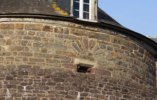 Petite Cité de Caractère Montfort sur Meu - Tour de Papegaut