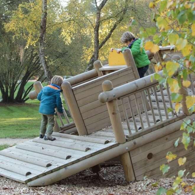 Loisirs à la carte – Lac de Trémelin – Jeux pour enfants