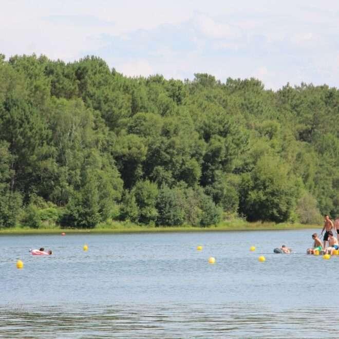 Baignade, nage et plongeoir - Lac de Trémelin - Office de Tourisme
