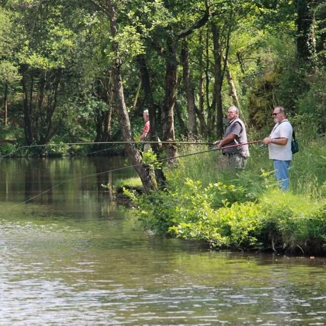 Pêcheurs au vallon de la chambre au Loup